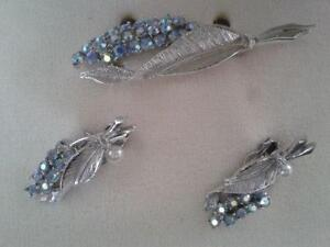 BROOCH & CLIP EARRINGS RHINESTONE SET ( VINTAGE ) Estate Sale West Island Greater Montréal image 2