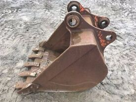 3FT Digging bucket 65mm Pin to suit 13 Ton Digger/Excavator