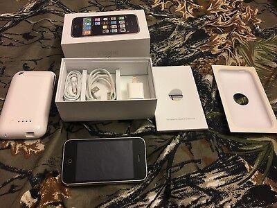 iPhone 3G 16GB White. iOS imei matches box imei AT&T unlocked