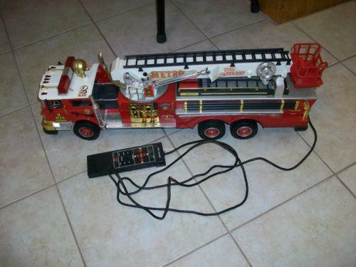 ebay rc trucks used with New Bright Fire Truck on Terrie Ebay Lowbed as well Ford Ranger further Terrie Ebay Lowbed furthermore 361329371078 moreover 1977 Pontiac Firebird Trans Am Smokey And The Bandit Promo Car Sells For 550k 104214.