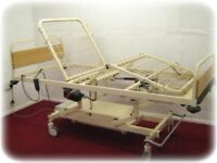 ELECTRIC HOSPITAL BED. 3 WAY PROFILING. ADJUSTABLE HEIGHT. WILL DISMANTLE