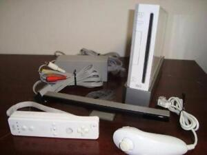 Nintendo Wii Console (white) BUNDLE (buy with confidence)