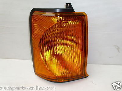 LAND ROVER DISCOVERY 2 - FRONT R/H 0/S INDICATOR LIGHT LAMP - XBD100870