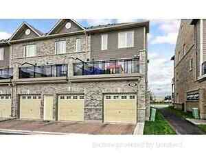 Available 3 bedroom furnished townhouse at Mississauga