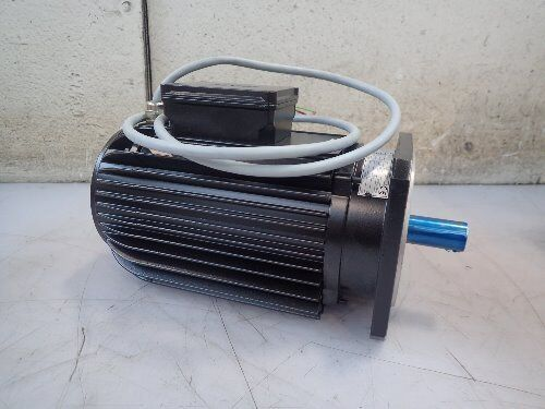 New Amk Dvsa11-7-6-4-d00 Servo Motor, .93kw, 1500/3500rpm,boxyg