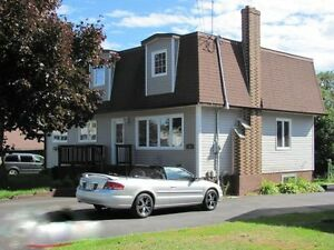 BEAUTIFUL PET FRIENDLY FAMILY HOME IN GANDER FOR RENT