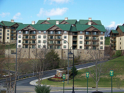 Apr 4-7 2-Bedroom Deluxe Condo Wyndham Smoky Mountains Sevierville, TN 3-Nts