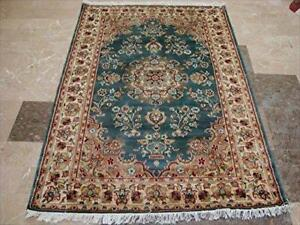 Exclusive Flower Ivory Touch Lovely Rectangle Area Rug Hand Knotted Wool Silk Carpet (6 X 4)'