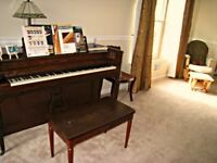 Selling a high quality piano for a cheap price