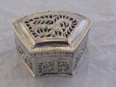 BOX SOLID SILVER SIAM THAILAND CAMBODIA CHINA CHINESE SILVER BOX GRILLON