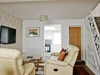 3 bedroom holiday house in the town centre with remote off road parking close to amenities