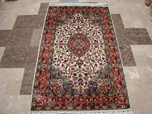 Awesome Ivory Medallion Flowers Rectangle Area Rug Hand Knotted Wool Silk Carpet (5 x 3)'