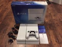White ps4 (Sony playstation 4) Plus 1 controller + 5 Games