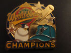 World Series Gold MLB Fan Pin, Buttons