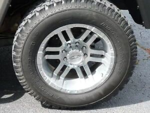 one hummer H2 off-road tire with aluminium alloy wheel