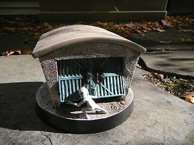 UFO Alien Sculpture - Hangar 18 FREE SHIPPING!