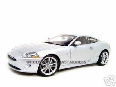 Jaguar XK Coupe 2006 Liquid Silver 1/18 DIECAST MODEL CAR BY AUTOART 73631