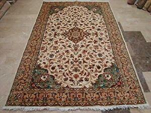 Awesome Pestal Ivory Medallion Floral Rectangle Area Rug Hand Knotted Wool Silk Carpet (8 x 5)'