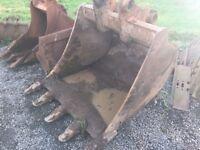 4ft Digging Bucket to Suit 20ton Digger, 80mm Pin or Similar machine!
