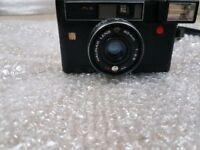 Halina auto flash 35 40mm with original camera case