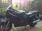 Triumph 900