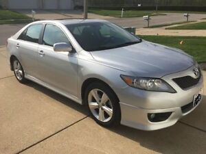 **** 2010 Toyota Camry SE Auto Leather ****