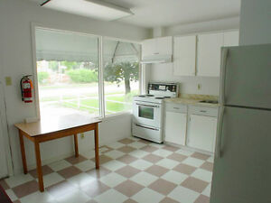 ideal for Waterloo and WLU students. Utilities included !!!!!!! Kitchener / Waterloo Kitchener Area image 3