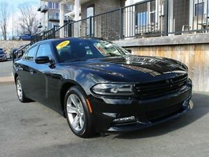 2016 Dodge Charger SXT / 3.6L V6 / Auto / RWD **Low KMs**