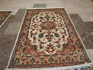 Sarafia Medallion Flowers Oriental Rectangle Area Rug Hand Knotted Wool Silk Carpet (5 x 3)'