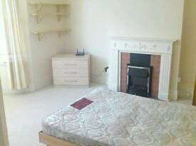 Sunny double room female share bills included