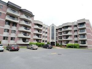 Luxurious Condo Room for Rent @ST. Jean DDO