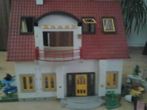 playmobil haus g nstig online kaufen bei ebay. Black Bedroom Furniture Sets. Home Design Ideas