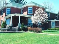 A GREAT BED & BREAKFAST LOCATED IN GREAT TOWN OF FERGUS