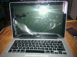 LOOKING FOR BROKEN/DAMAGE MACBOOKS FOR PARTS