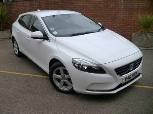 volvo v40 d2 se 1 6 diesel 5 door hatchback ice white in saxmundham suffolk gumtree. Black Bedroom Furniture Sets. Home Design Ideas