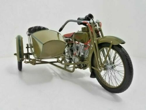 1917 Harley-Davidson motorcycle 3 speed V-twin 1:6 scale model with sidecar