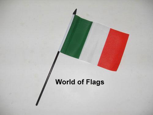 "ITALY SMALL HAND WAVING FLAG 6"" x 4"" Italia Italian Crafts Table Desk Display"