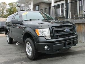 2014 Ford F-150 STX / 5.0L V8 / Auto / 4x4 **Work Ready!!**