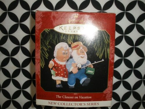 """NEW 1997~CHRISTMAS! HALLMARK ORNAMENT """"THE CLAUSES ON VACATION""""  ~N21"""