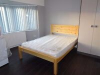 Lovely brand new large double room en suite in Hayes, all bills included. Single person only