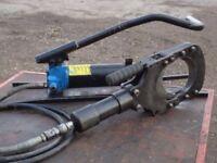 Cembre Tc120 cutter and po7000 foot pump