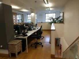 Desks to rent in creative design agency in great location