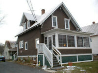 272 Victoria St - 3 Bedroom House Available Now