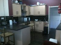 6 bedroom house in Burford Road, Forest Fields, NG7