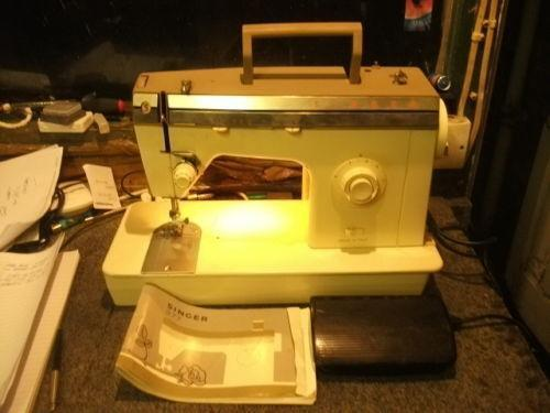 SINGER Sewing Machine Foot Controller Pedal 001251409 or