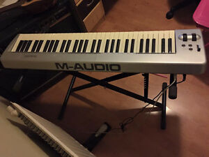 M-Audio Keystation 61ES MIDI Keyboard with extras