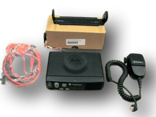 Motorola CM200 VHF 146-174 Mhz 4 ch 45 Watts