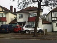 LOVELY 3 BEDROOM HOUSE AVAILABLE IN CHEYNE WALK, HENDON, NW4 3QR