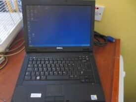 DELL Latitude laptop E5400 with docking station