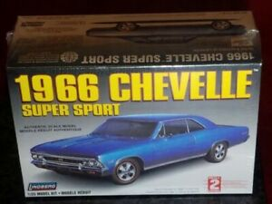Lindberg 1966 Chevelle Super Sport Authentic Scale 1/25 Skill Level 2 Model  Kit